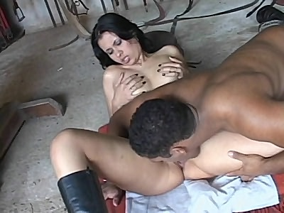 Latina Evelyn Pussy Eaten Out